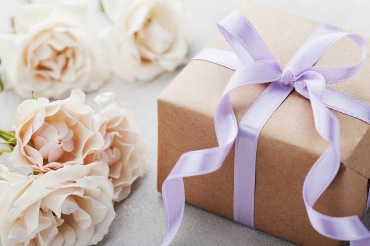 5 Ide Hadiah Sempurna untuk Orang-Orang Terkasih di Hari Istimewa