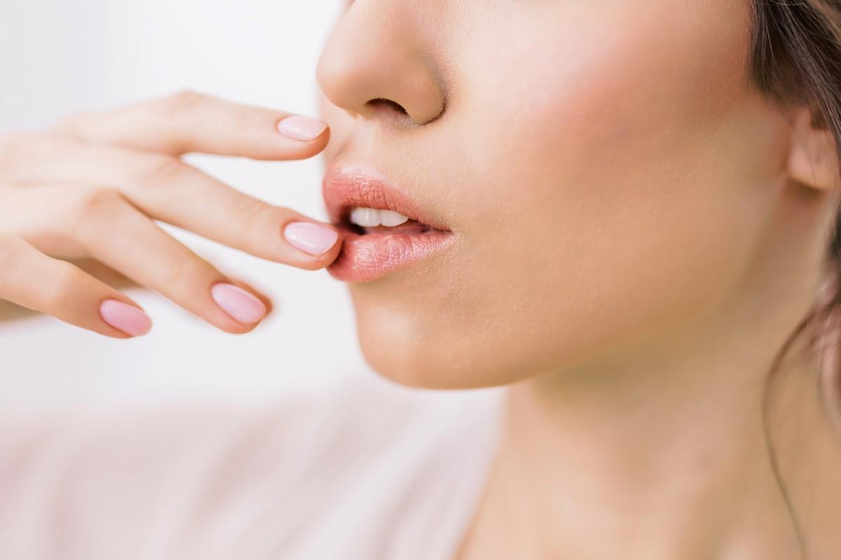 Cara Mengatasi Kulit Bibir yang Kering