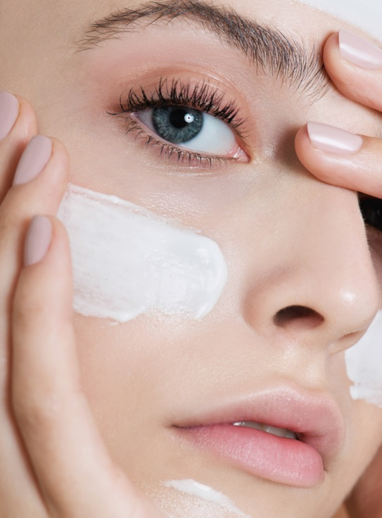Steps to Use Skincare, According to Dry Skin Type
